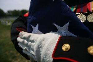 1280px-Flag_funeral222