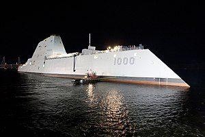 300px-USS_Zumwalt_(DDG-1000)_at_night